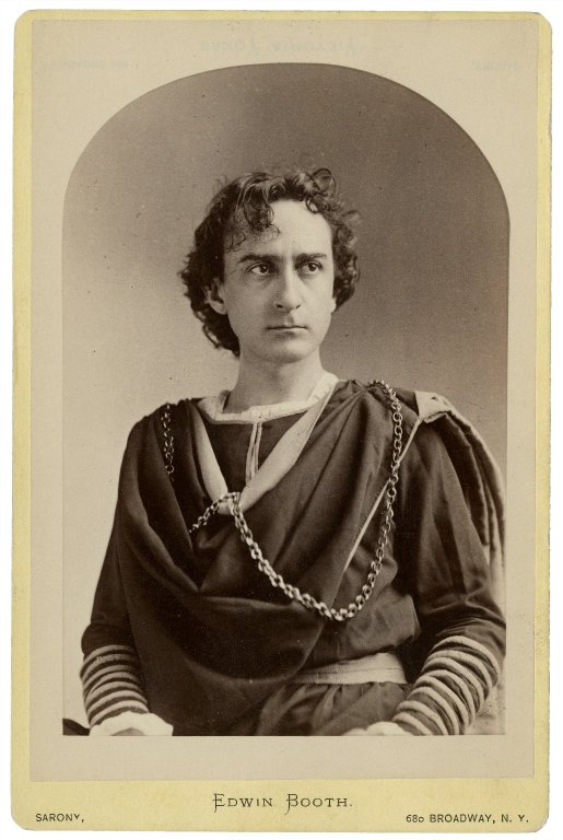 Photograph of Edwin Booth in the role of Hamlet (mid to late 19th century)