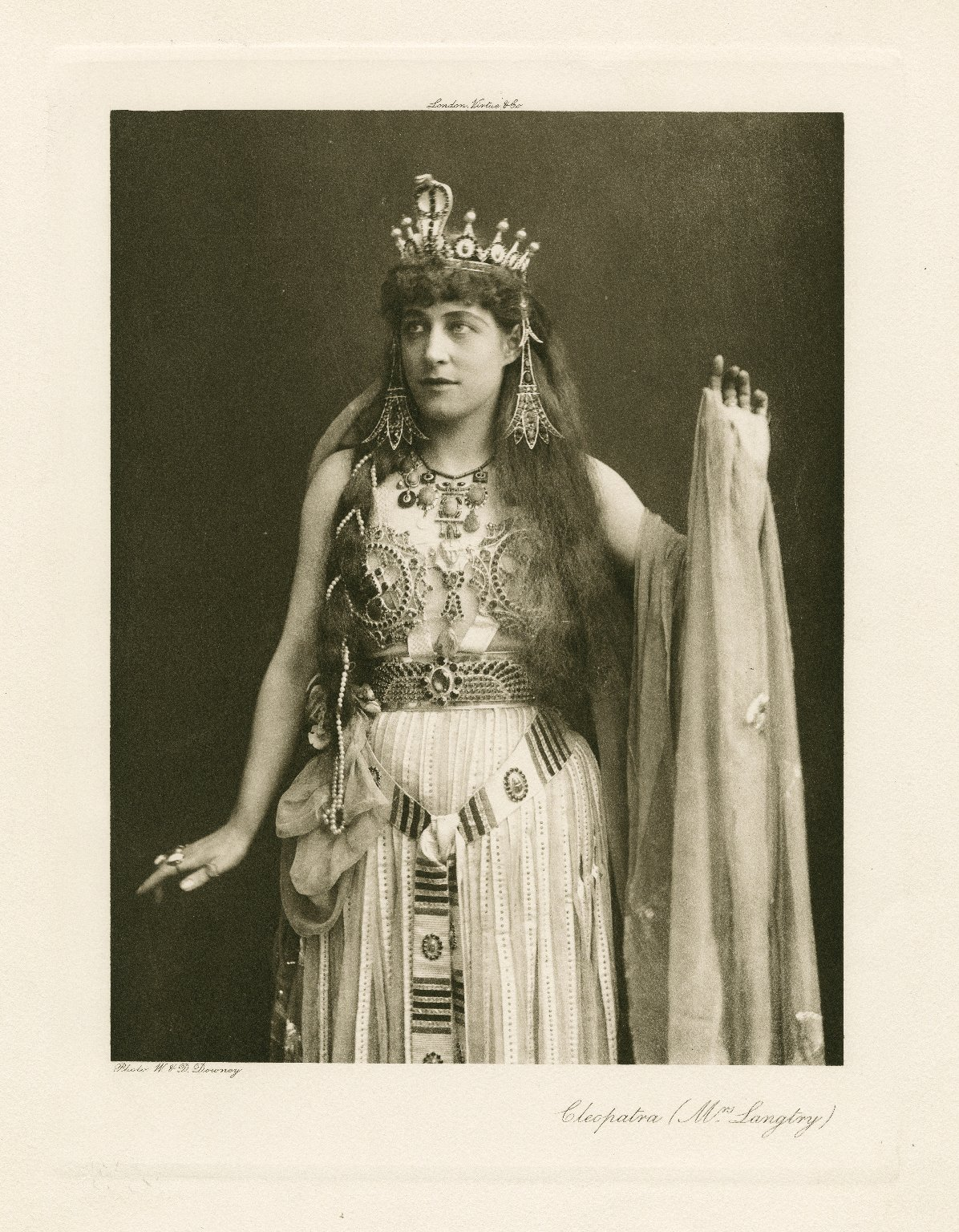 Photograph of Lillie Langtry in the role of Cleopatra (1891)