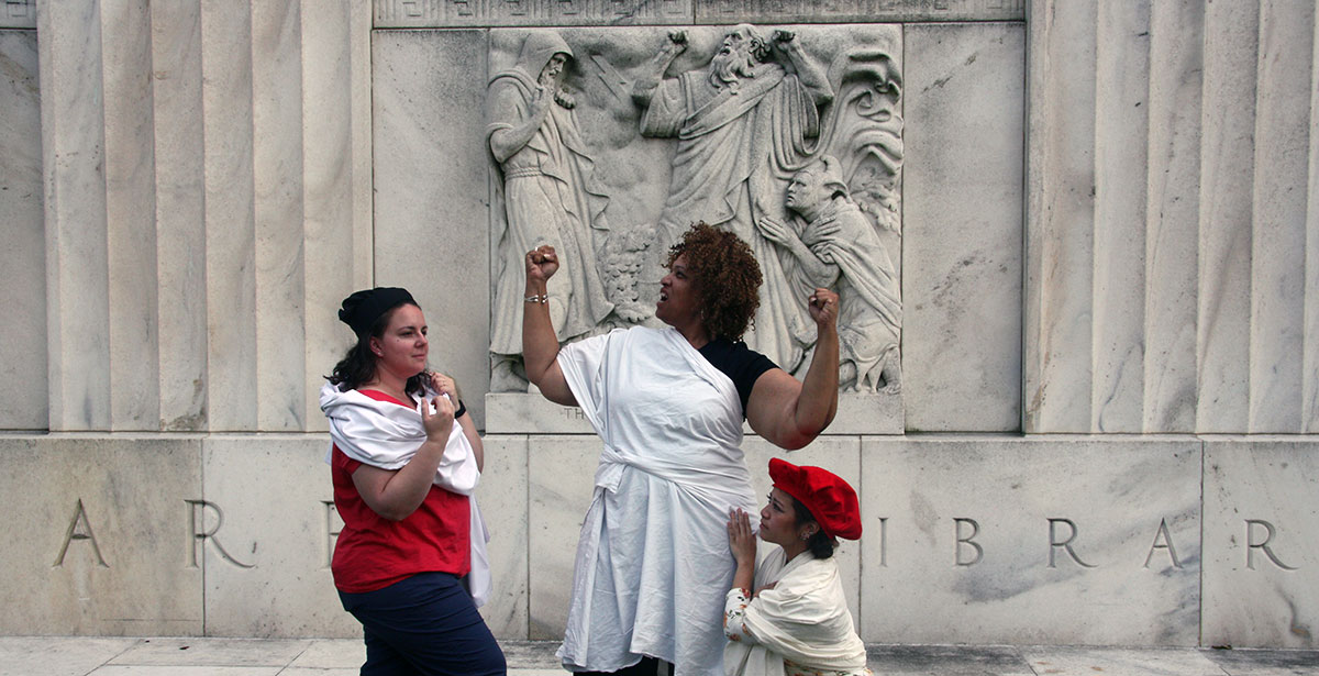 Tableau vivant in front of the King Lear bas-relief